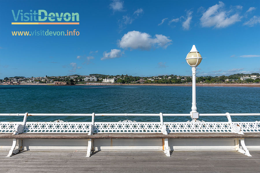 Tourist information guide and events in gorgeous Devon, UK.